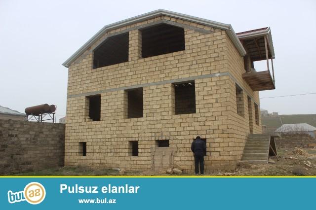 Abşeron rayonu Məhəmmədi qəsəbəsi, əsas yola 300 metr