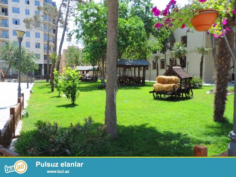 Xırdalan şəhərində AAAF park yaşayış kompleksində 5 mərtəbəli qazlı binada mərtəbəsində ümumi sahəsi 48 kv...