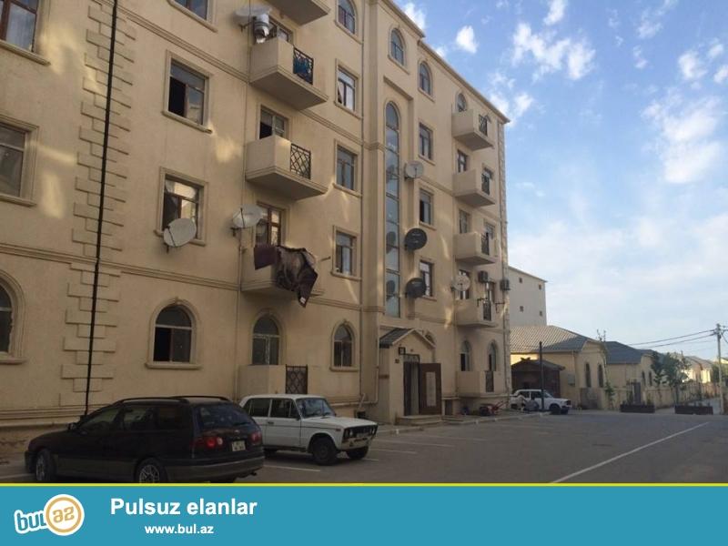 Xırdalan şəhəri,AAAF park yaşayış kompleksində 5 mərtəbəli binada ümumi sahəsi 47...
