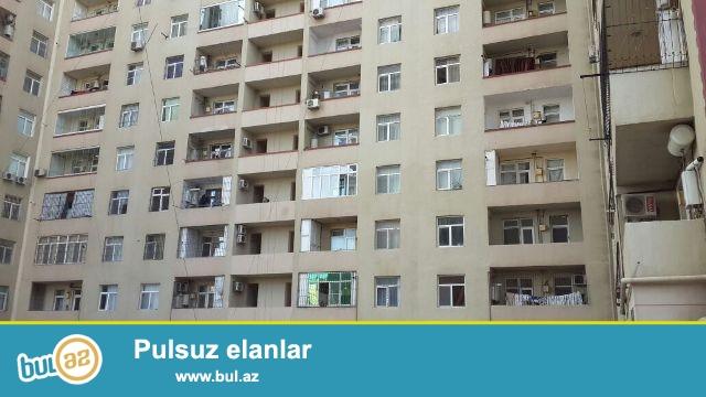 Binəqədi r.7-ci mkr.Bolluq bazarının yaxınlığında 17 mərtəbəli yeni tikili binanın 11-ci mərtəbəsində, ümumi sahəsi 111 kv...