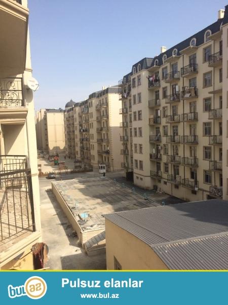 Xırdalan şəhərində,AAAF park yaşayış kompleksində 7 mərtəbəli binada ümumi sahəsi 89 kv...