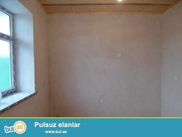 Maştağada Məmmədyarov  dairəsində əsas yoldan 50 metr  məsafədə 3 otaqlı super təmirli həyət evi satılır...