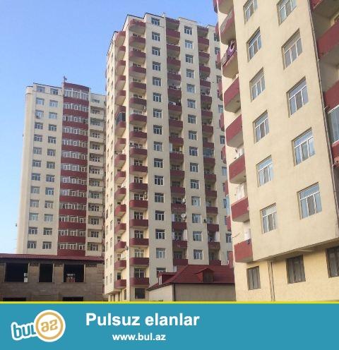 Binəqədi r.8-ci  mkr.Azadlıq m/s.Elitin yaxınlığında 18 mərtəbəli Qaz-ı olan Yeni tikili binanın 11-ci mərtəbəsində 3 otaqlı,ümumi sahəsi 124 kv...