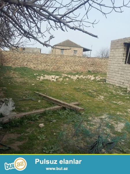 Maştağa qəs Tavaylıq deyilən yerdə dəmir yolunu keçəndən sonra marşuruta 5 mt məsafədə  4...