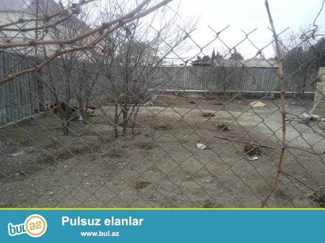 Sabunçu rayonu Zabrat 2 qəsəbəsində məscidin yaninda yolun qırağında 1...