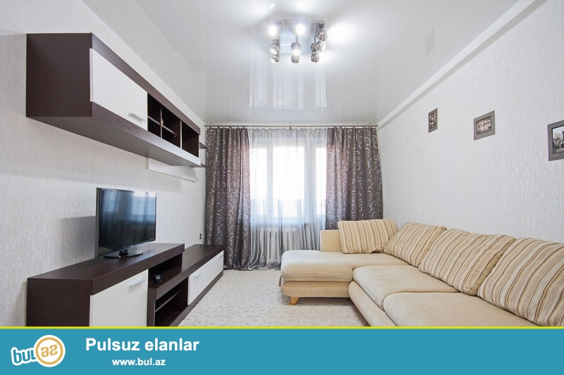 Gunluk kiraye evler. Seherin merkezinde xarici qonaqlar ve aileliler ucun 2 otaqli ela temirli ev sutkaliq kiraye verilir...