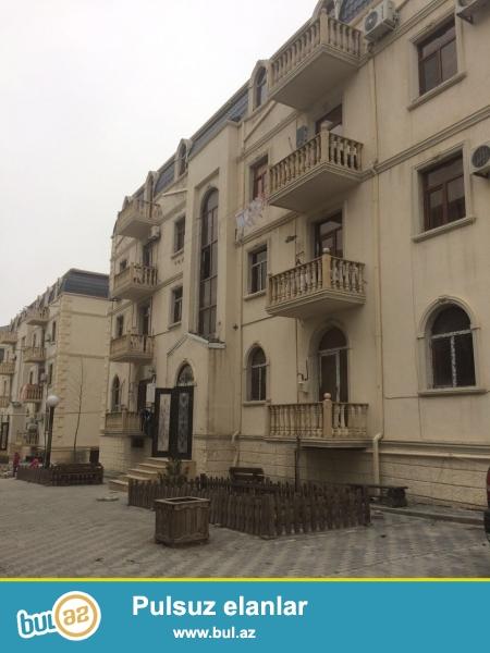 Xırdalan şəhəri,AAAF park yaşayış kompleksində 4 mərtəbəli binada ümumi sahəsi 88 kv...