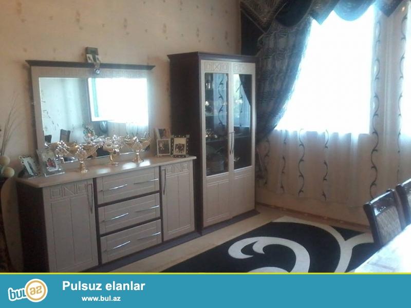 Təcili Biləcəri qəsəbəsində Avtovağzal metro/stansiyasına yaxın 4 sotda 4 otaqlı orta temirli ev satılır...