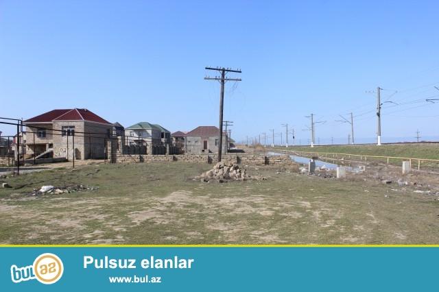 Sabunçu rayonu Zabrat-Məhəmmədi yolunun üstündə, əsas yoldan 500 metr məsafədə yerləşən, 12 sot torpaq sahəsi satılır...