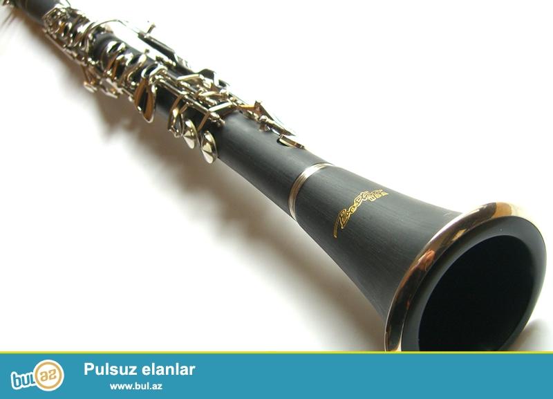 her nov klarnet H.B. music ve Hakim musiqi aletler
