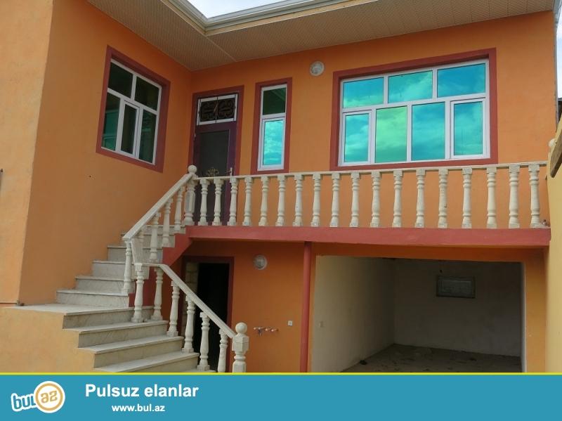 Xirdalanda 3 otaq alti qarajli heyet evi satilir <br /> Tecili olaraq  Xirdalanda  7 N mekteb terefde yola yaxin 1...