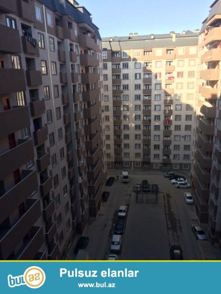 Xırdalan şəhəri Kristal Abşeron yaşayış kompleksində yerləşən binada ilkin ödəniş 31000manat olan kreditlə tam təmirli mənzil satılır...