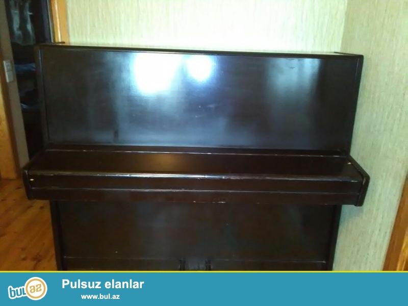 Ideal veziyyetde LASTOCKA pianinosu satilir!