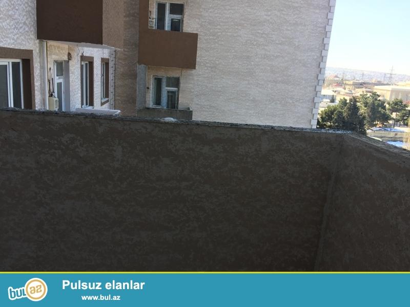 Xırdalan şəhəri Köhnə bazarla üzbə-üz Kristal Abşeron yaşayış kompleksində yerləşən binada 3 otaqlı kreditlə mənzil satılır...