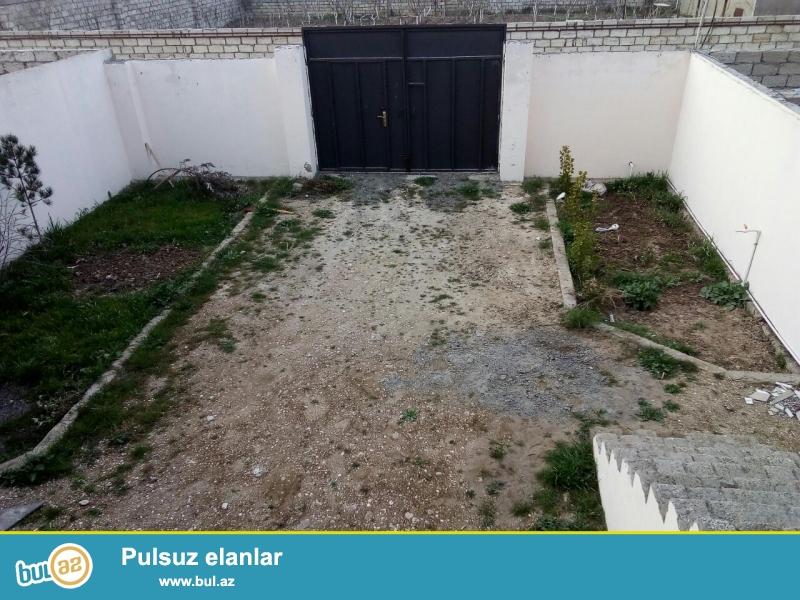 Sabunçu  rayonu Ramana qəsəbəsi  Gulculukde Dispecire yaxın evin 60 metrliyindən marsurut isləyir...