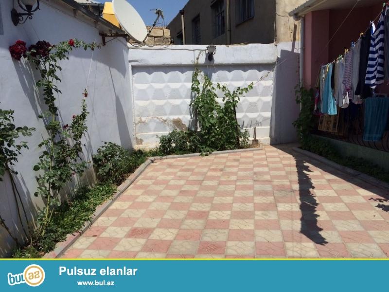 Xirdalanin girisinde 2  sot torpagin icinde sahesi  120 m2  1 merebeli 4  genis otaqli, tam evro  temirli heyet evi satilir...