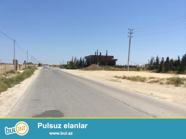 Bakıda, Hövsan-Türkan magistral yolunun sol tərəfində,