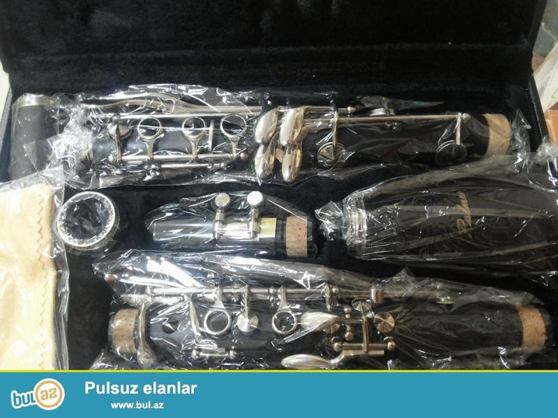 her nov klarnet H.B. music ve Hakim musiqi aletler dukanlarinda<br /> <br /> Diger nefesli aletler ucun <br /> Dukanlarimiza yaxinlashin ve ya Elaqe saxlayin<br /> <br /> tel: 050 226 07 90 / 055 316 07 90 / 012 408 24 23