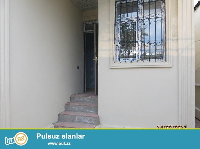 Xırdalanda mərkəzdə 3 otaq kupcalı təmirli ev satılır