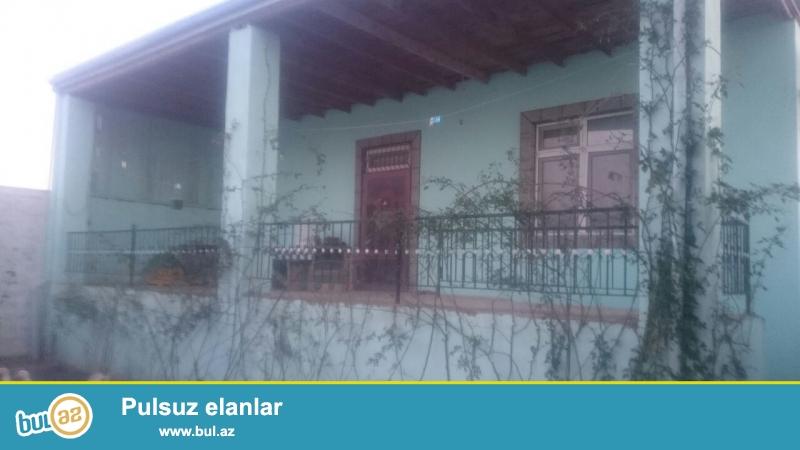 Sabunçu rayonu Savalan yolunun üstündə, Kanalın yaxınlığında, əsas yola yaxın ərazidə, 4 sot torpaq sahəsində, 7 daş kürsülü, ümumi sahəsi 90 kv...