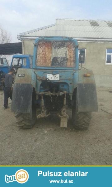 Motoru MTZ82,əla vəzyətdədir, qabağı cəkir. Traktor Sabirabadda yerləşir. Ətraflı məlumat üçün əlaqə saxlayın. Qiymətdə razılaşmaq mümkündür.