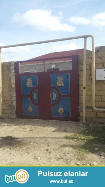 Tecili mastaga qesebesinde 186 nomreli avtobusun axirinci dayanacaginda 1.5 sotun icerisinde evin umumi sahesi 100 kv olan 3 otaqli ev satilir ...