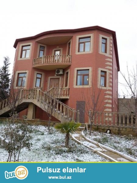 Satılır: 2 mərtəbəli əla təmirli villa Ölçü: 240m², 6 otaq