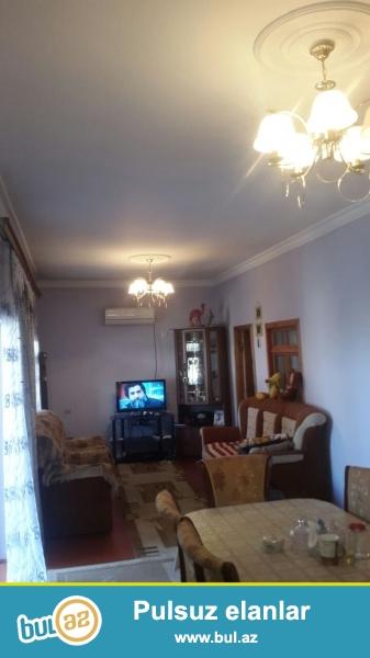 Tecili Sabuncu rayonu Mastaga qesebesinde esas yoldan 200 m aralida  3,5 sotda , 4 das kursulu , evin umumi sahesi 140 kv olan 3 otaqli ev satilir ...