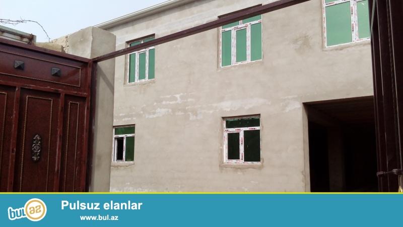 Zabrat Qesebesinde Mecidin yani 2 sot torpagin icinde 5 otaqli ev evin umumi kv...