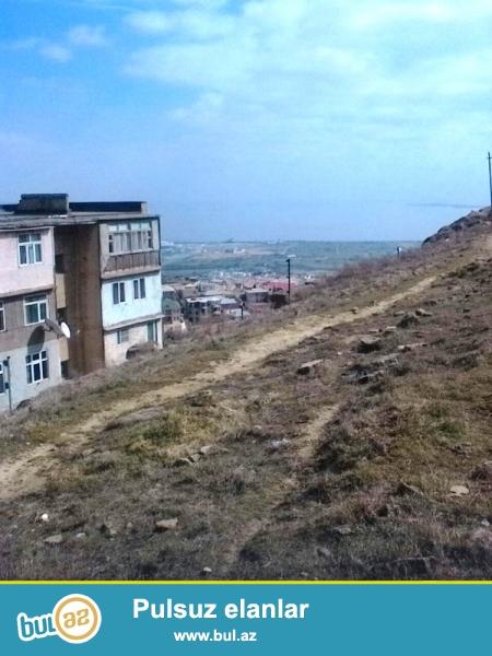 Satılır Badamdar 1-ci massivdə (3 masssivin girişi) 4 sot torpaq sahəsi...